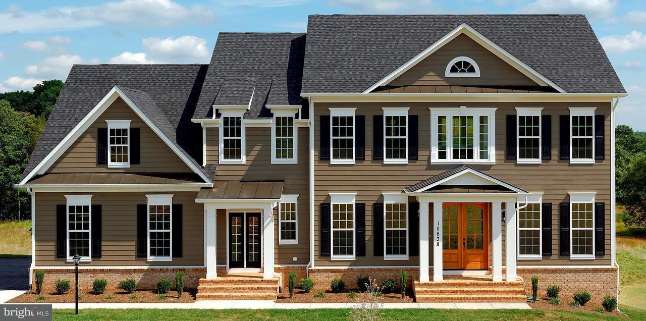 단독 가정 주택 용 매매 에 SUNNY RIDGE SUNNY RIDGE Round Hill, 버지니아 20141 미국