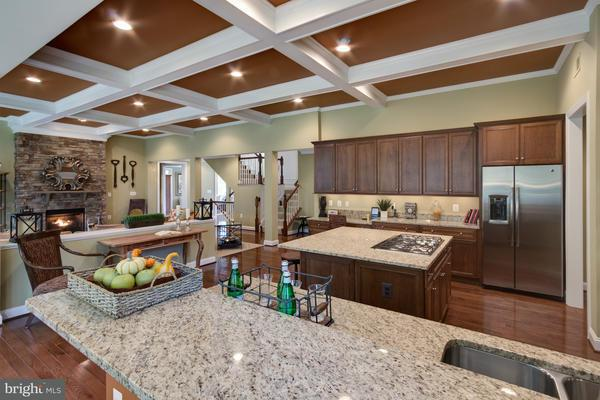 Additional photo for property listing at 12247 CLIFTON POINT Road 12247 CLIFTON POINT Road Clifton, Virginia 20124 Stati Uniti