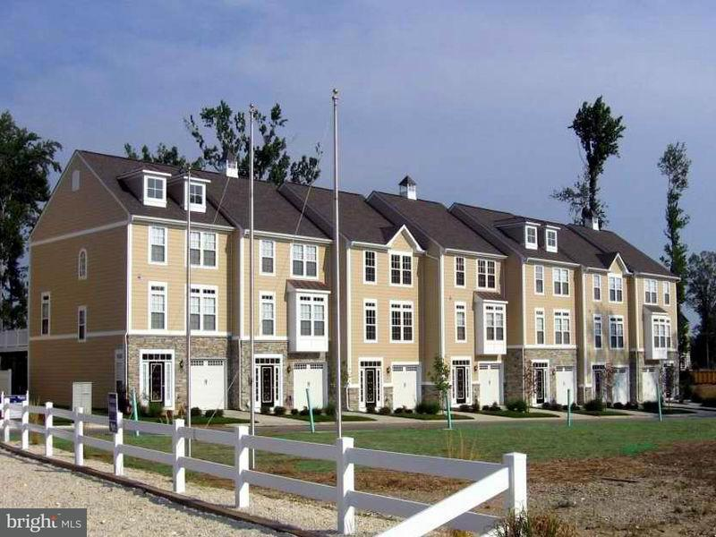 Other Residential for Rent at 213 Monroe Point Dr Colonial Beach, Virginia 22443 United States