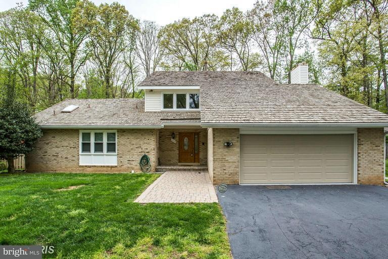 Casa Unifamiliar por un Venta en 14600 PEBBLE HILL Lane 14600 PEBBLE HILL Lane North Potomac, Maryland 20878 Estados Unidos