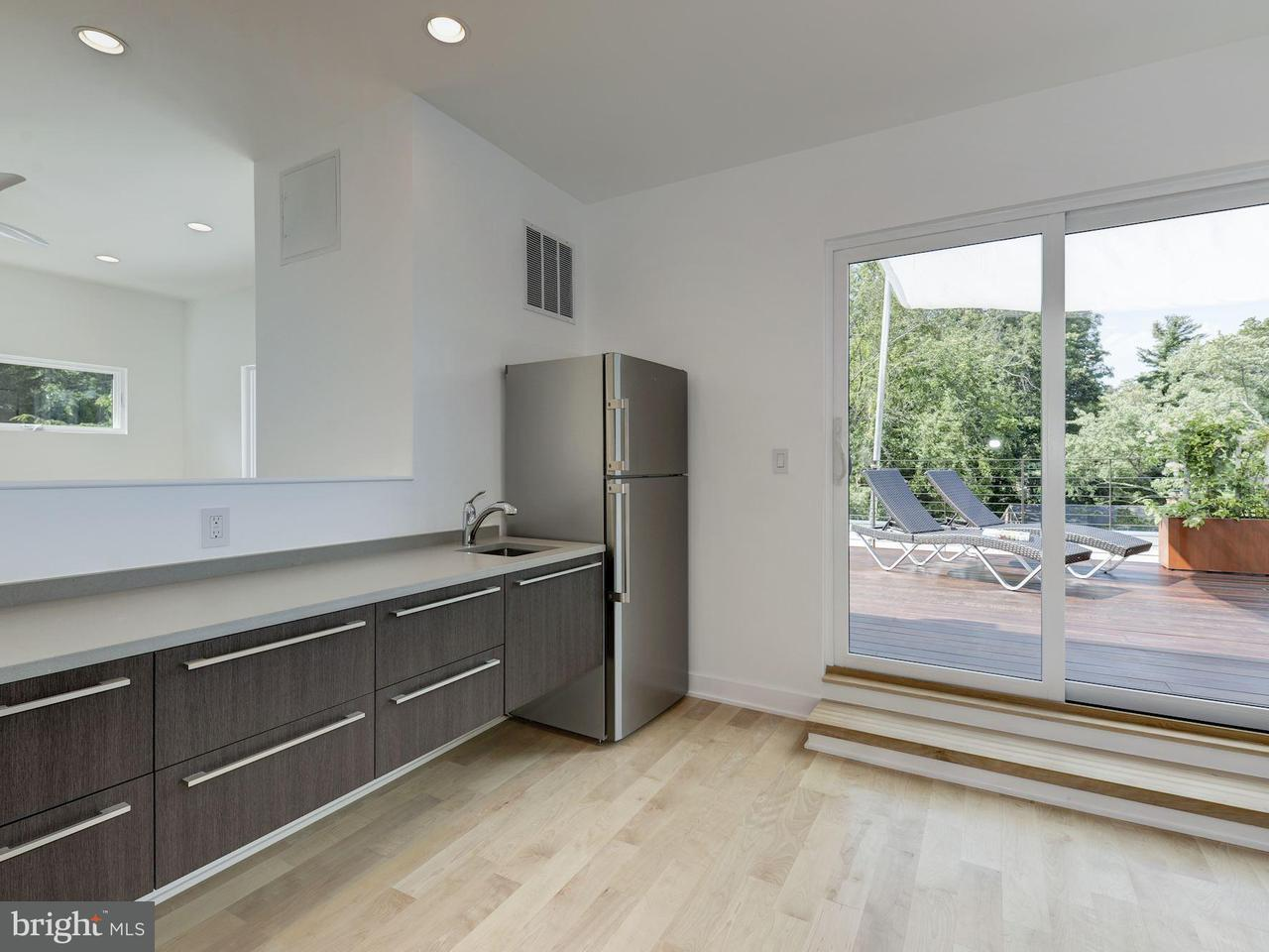 Additional photo for property listing at 6940 Oregon Ave NW  Washington, District Of Columbia 20015 United States