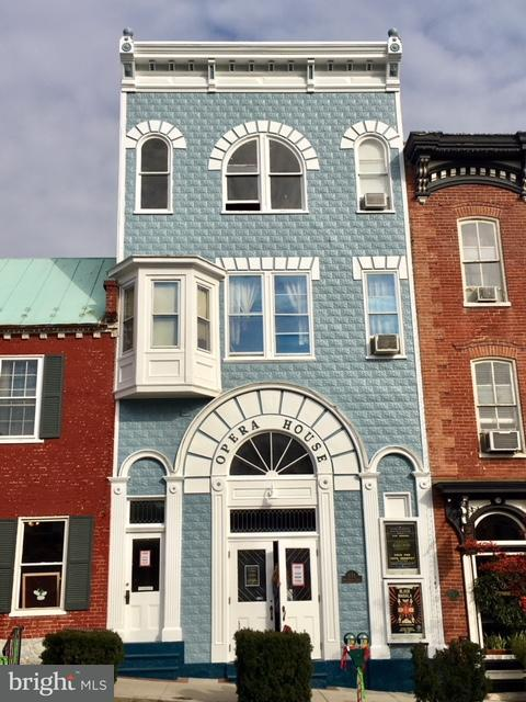 Casa unifamiliar adosada (Townhouse) por un Venta en 131 WEST GERMAN Street 131 WEST GERMAN Street Shepherdstown, West Virginia 25443 Estados Unidos