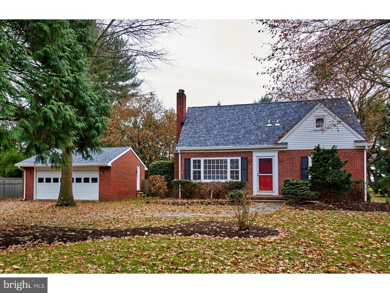 Частный односемейный дом для того Продажа на 529 VILLAGE RD W Princeton Junction, Нью-Джерси 08550 Соединенные ШтатыВ/Около: West Windsor Twp