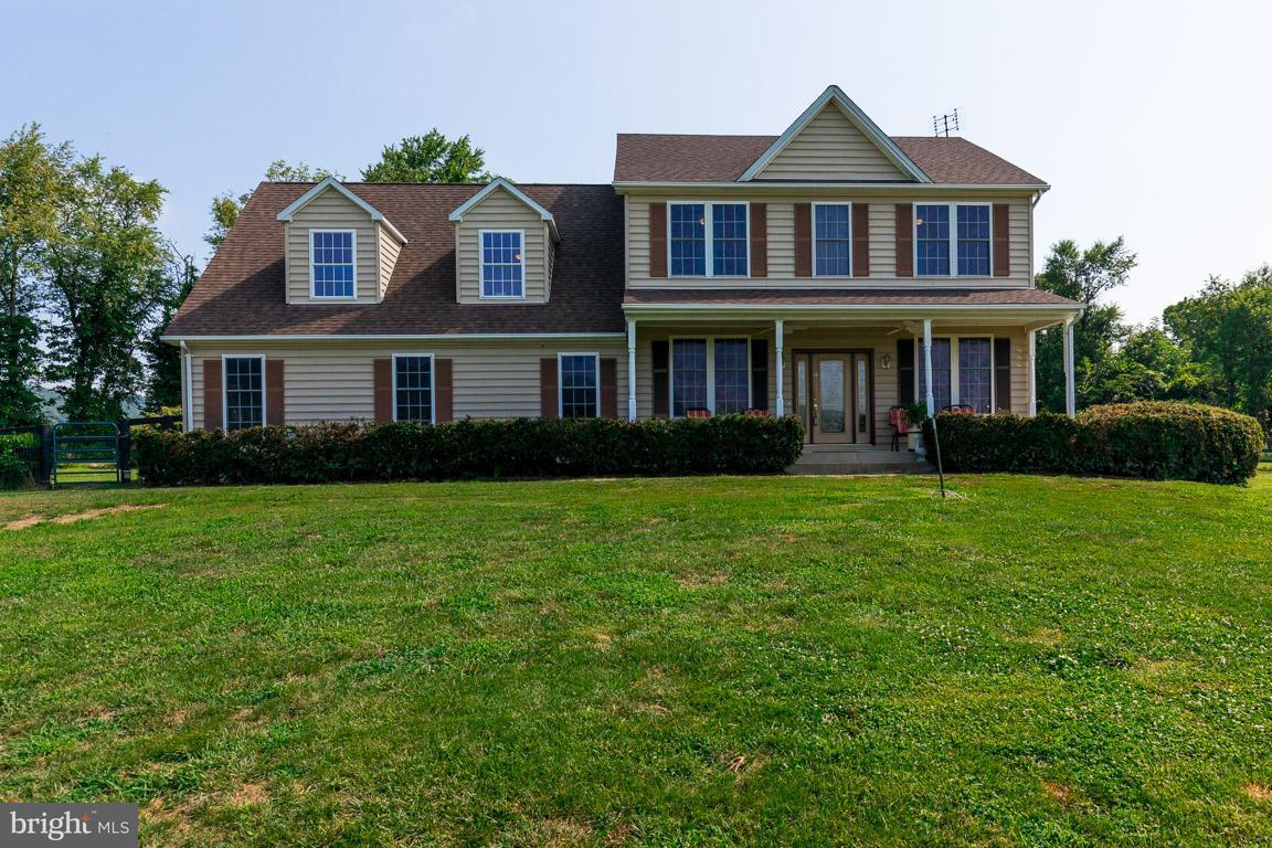 단독 가정 주택 용 매매 에 37958 LONG Lane 37958 LONG Lane Lovettsville, 버지니아 20180 미국