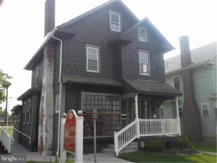 Maison unifamiliale pour l Vente à 342 HADDON Avenue Westmont, New Jersey 08108 États-Unis