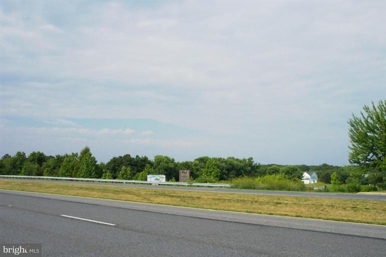 Terrain pour l Vente à Crain Hwy Crain Hwy Bel Alton, Maryland 20611 États-Unis