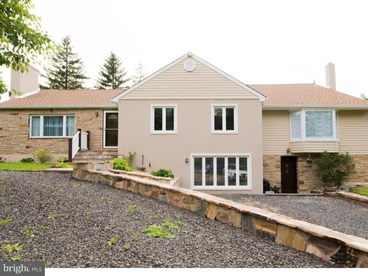 独户住宅 为 销售 在 24 BROWNSBURG Road Wrightstown, 宾夕法尼亚州 18940 美国