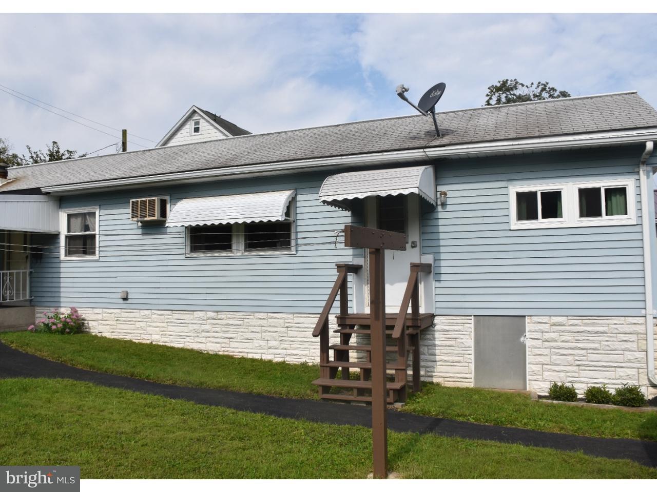Casa Unifamiliar por un Alquiler en 7 SCHUMACHER Avenue Schuylkill Haven, Pennsylvania 17972 Estados Unidos