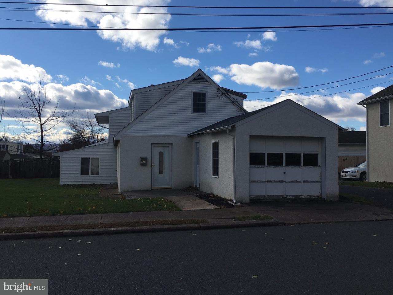 Maison unifamiliale pour l Vente à 113 LINDEN Street Stowe, Pennsylvanie 19464 États-Unis