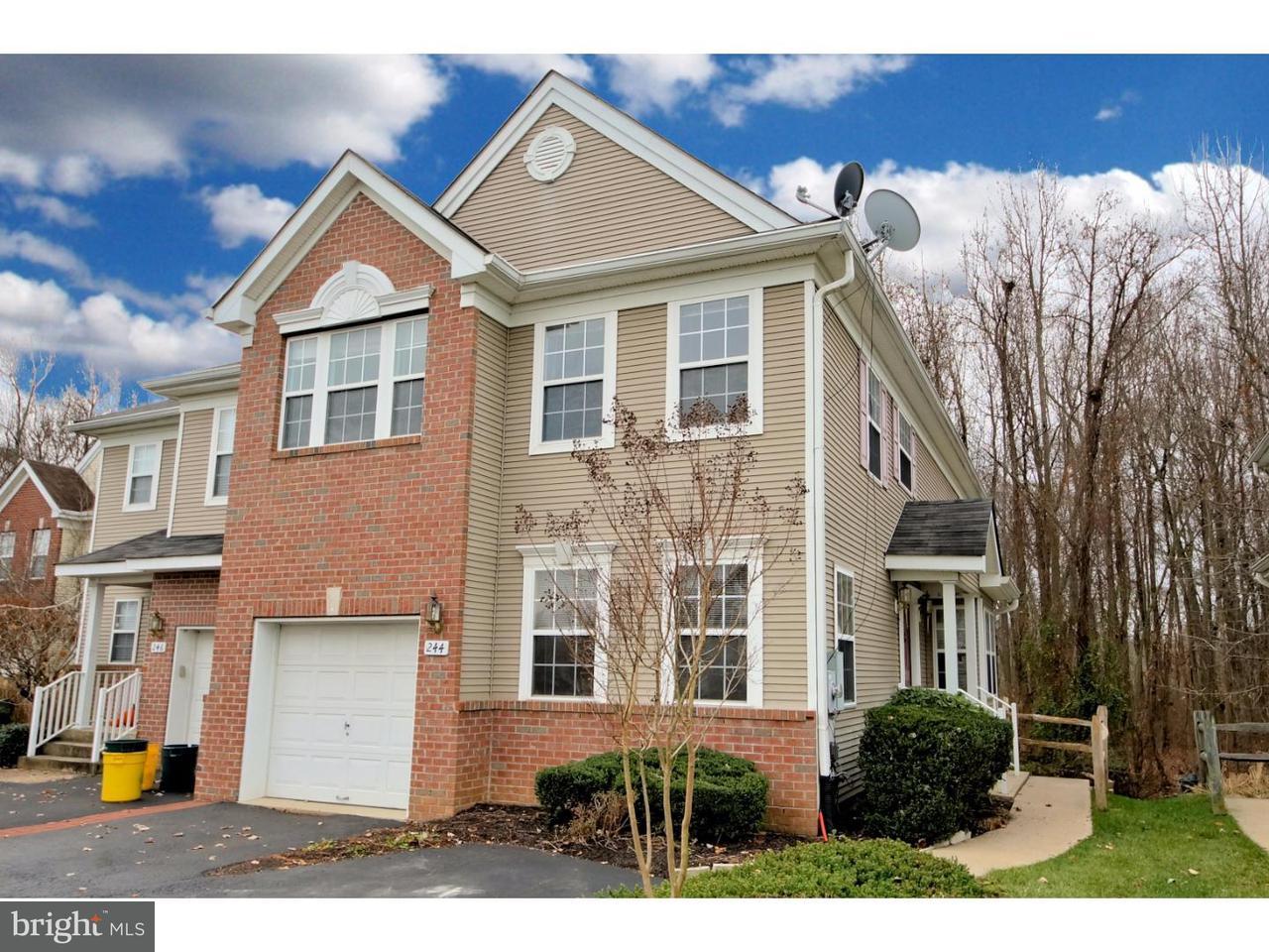 Maison accolée pour l à louer à 244 FOUNTAYNE Lane Lawrenceville, New Jersey 08648 États-UnisDans/Autour: Lawrence Township