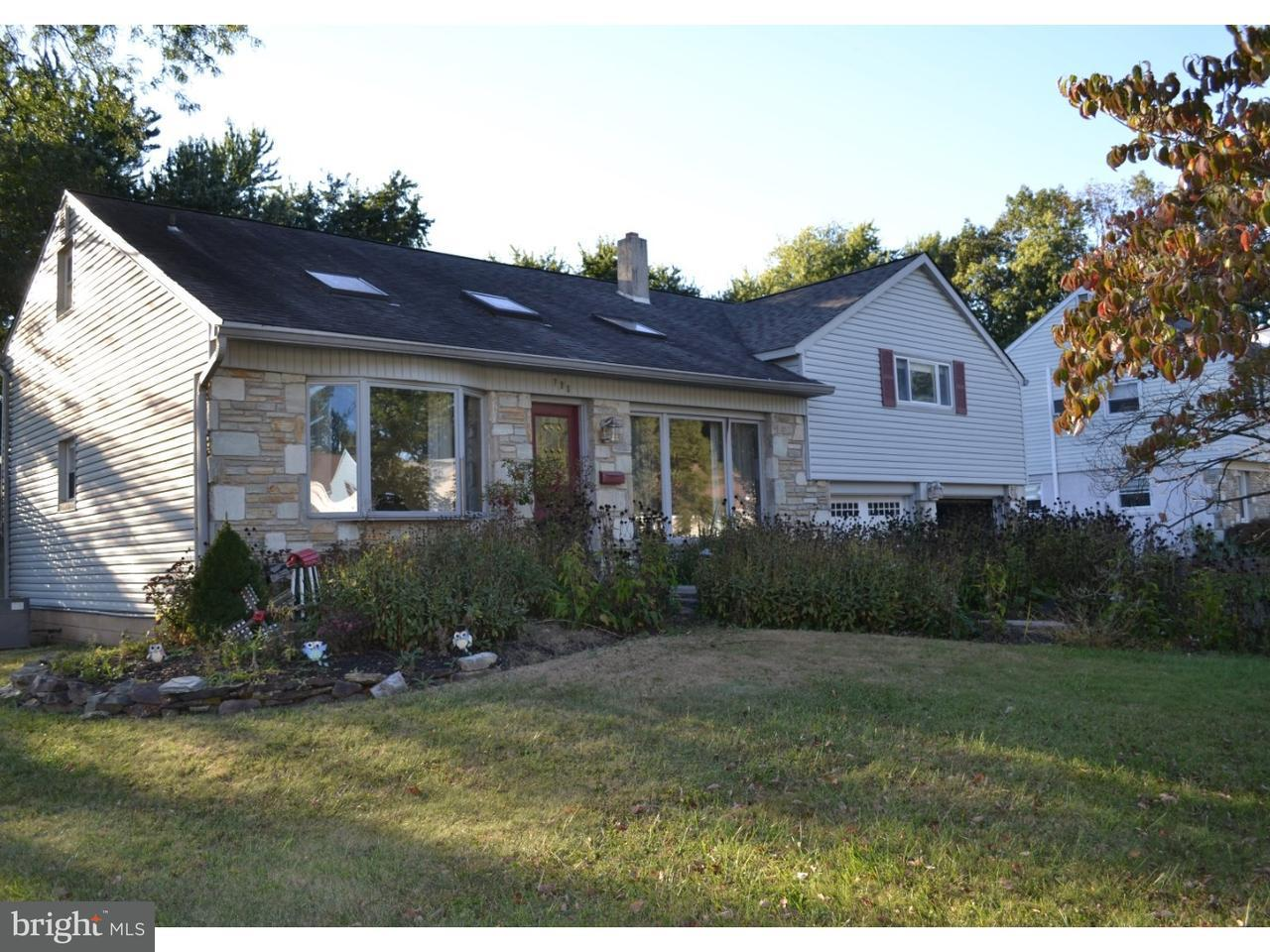 Casa Unifamiliar por un Venta en 798 MEADOWOOD Lane Warminster, Pennsylvania 18974 Estados Unidos