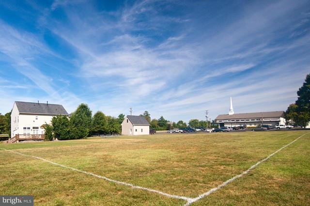 Additional photo for property listing at 1545 DRANESVILLE Road 1545 DRANESVILLE Road Herndon, Virginia 20170 Vereinigte Staaten