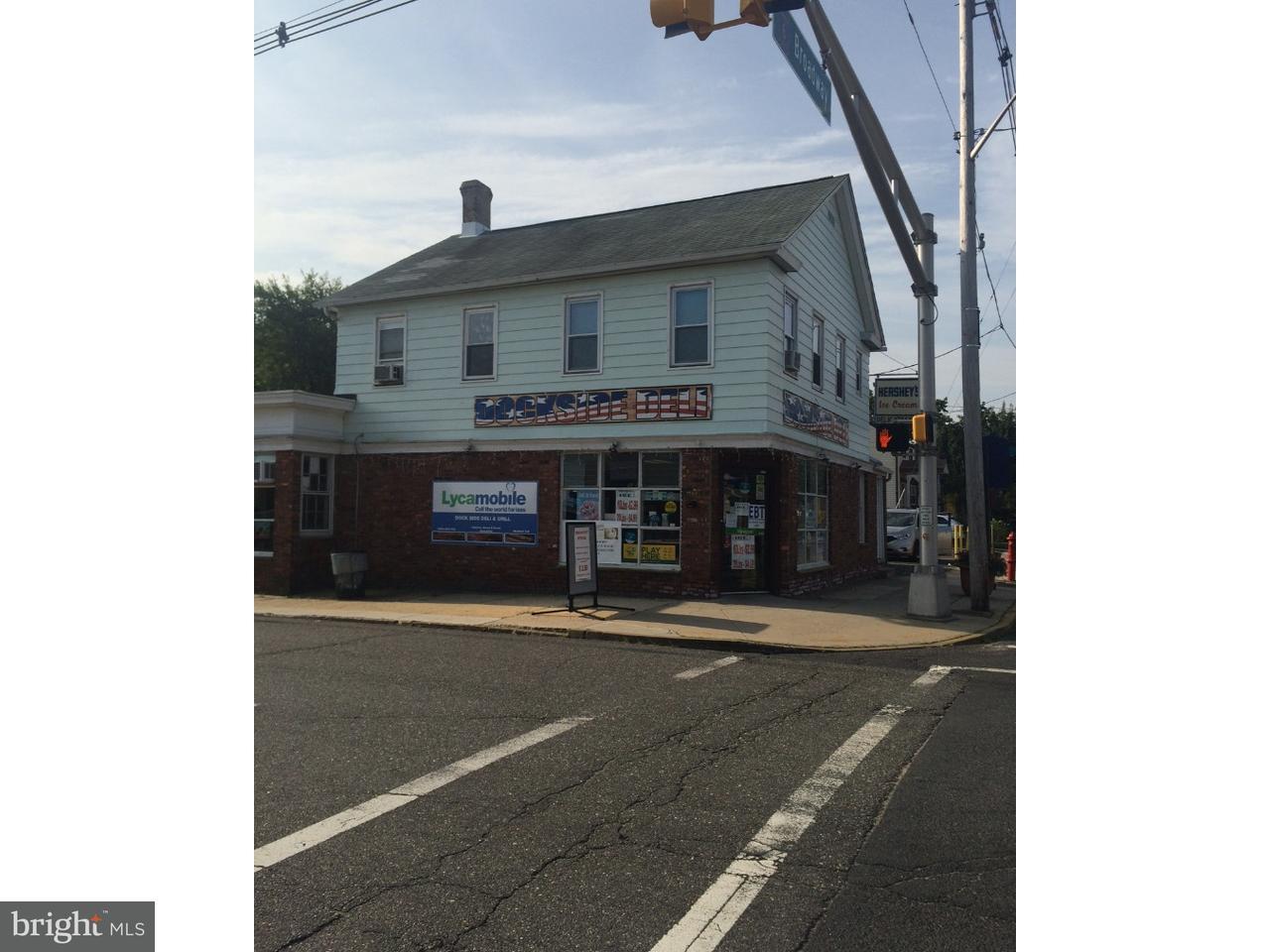 Частный односемейный дом для того Продажа на 226 W FRONT Street Keyport, Нью-Джерси 07735 Соединенные Штаты