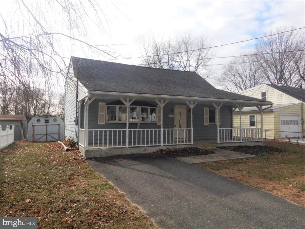 Частный односемейный дом для того Продажа на 406 MANOR Avenue Carneys Point, Нью-Джерси 08069 Соединенные Штаты