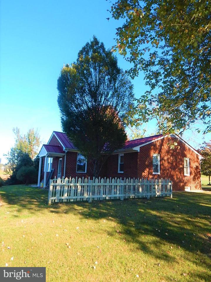 Farm / Hof für Verkauf beim 8658 Pine Stake Road 8658 Pine Stake Road Rhoadesville, Virginia 22542 Vereinigte Staaten