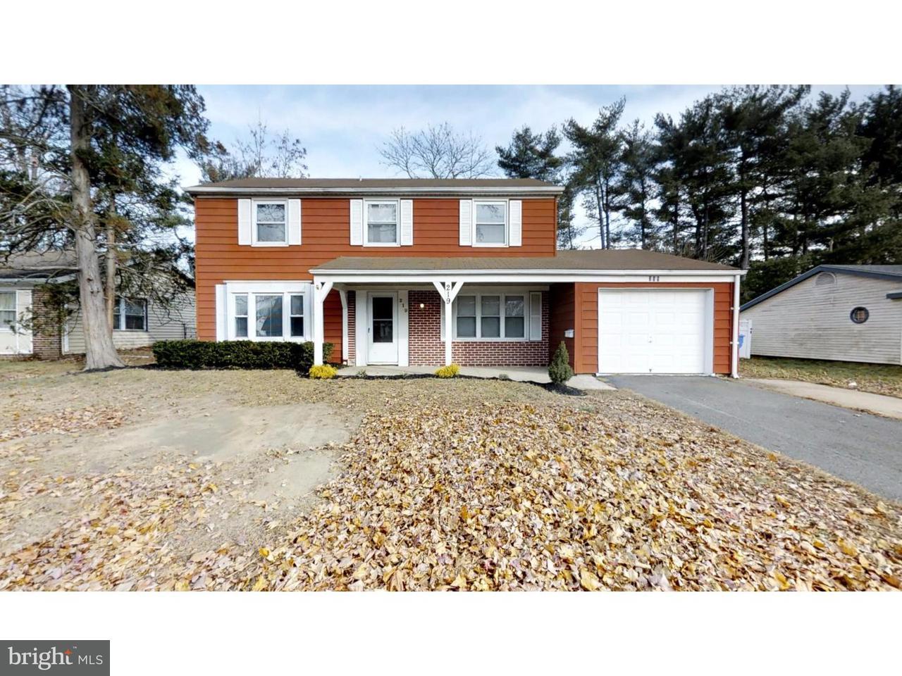 Casa Unifamiliar por un Alquiler en 219 SOMERSET Drive Willingboro, Nueva Jersey 08046 Estados Unidos