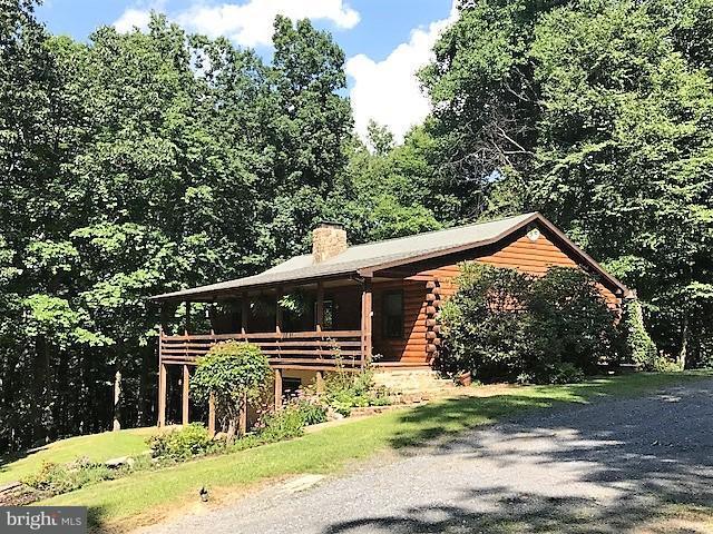 Eensgezinswoning voor Verkoop een t 922 JEWELL HOLLOW Road 922 JEWELL HOLLOW Road Luray, Virginia 22835 Verenigde Staten