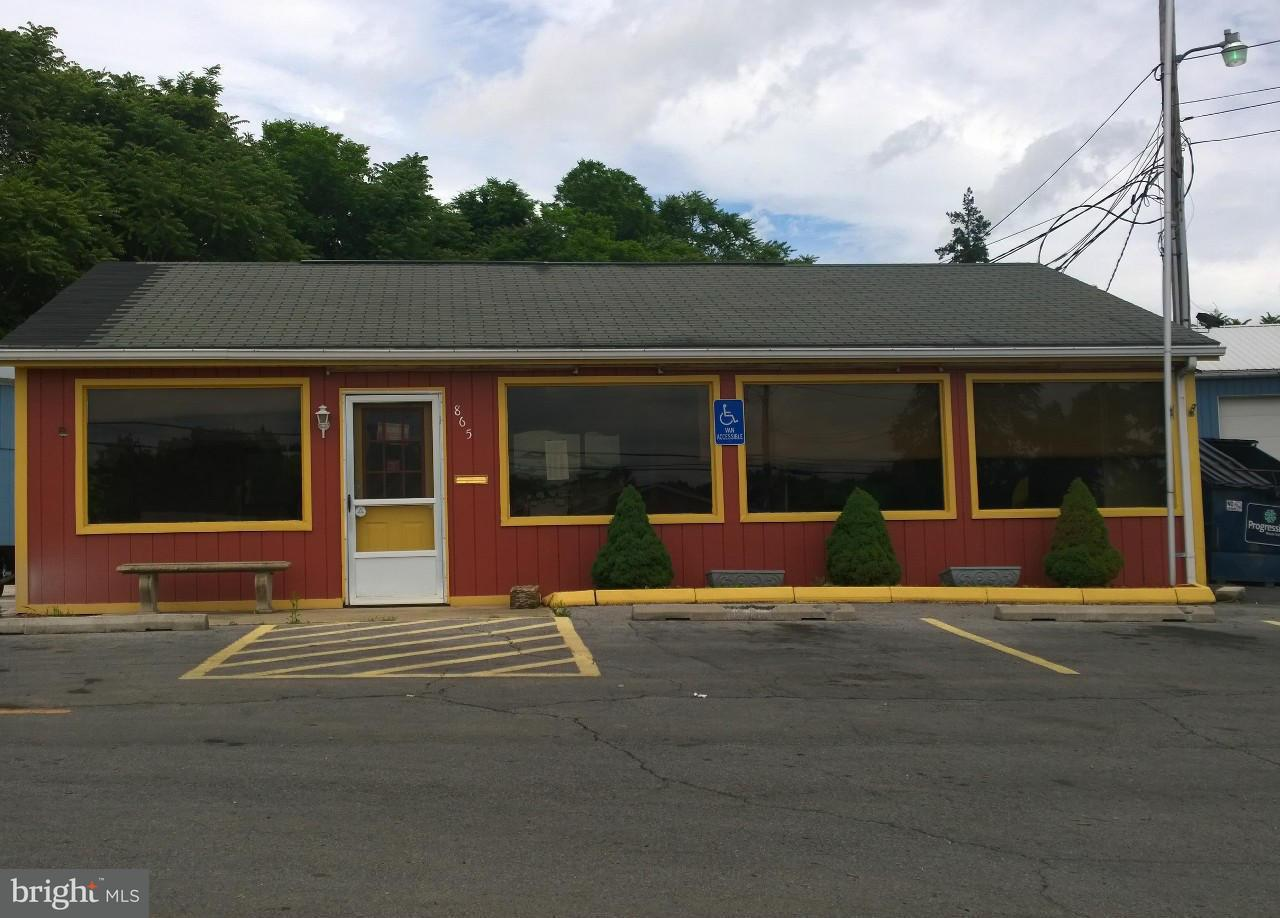 Commercial for Sale at 865 LINCOLN WAY W 865 LINCOLN WAY W Chambersburg, Pennsylvania 17202 United States