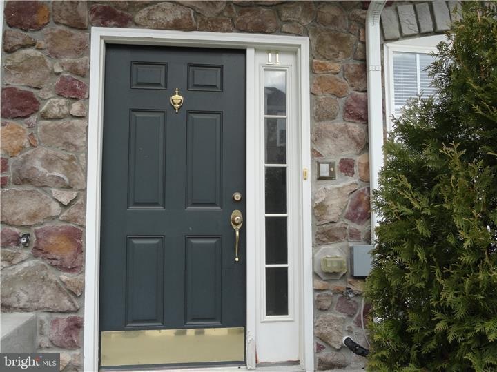联栋屋 为 出租 在 11 RIVER Lane Delanco, 新泽西州 08075 美国
