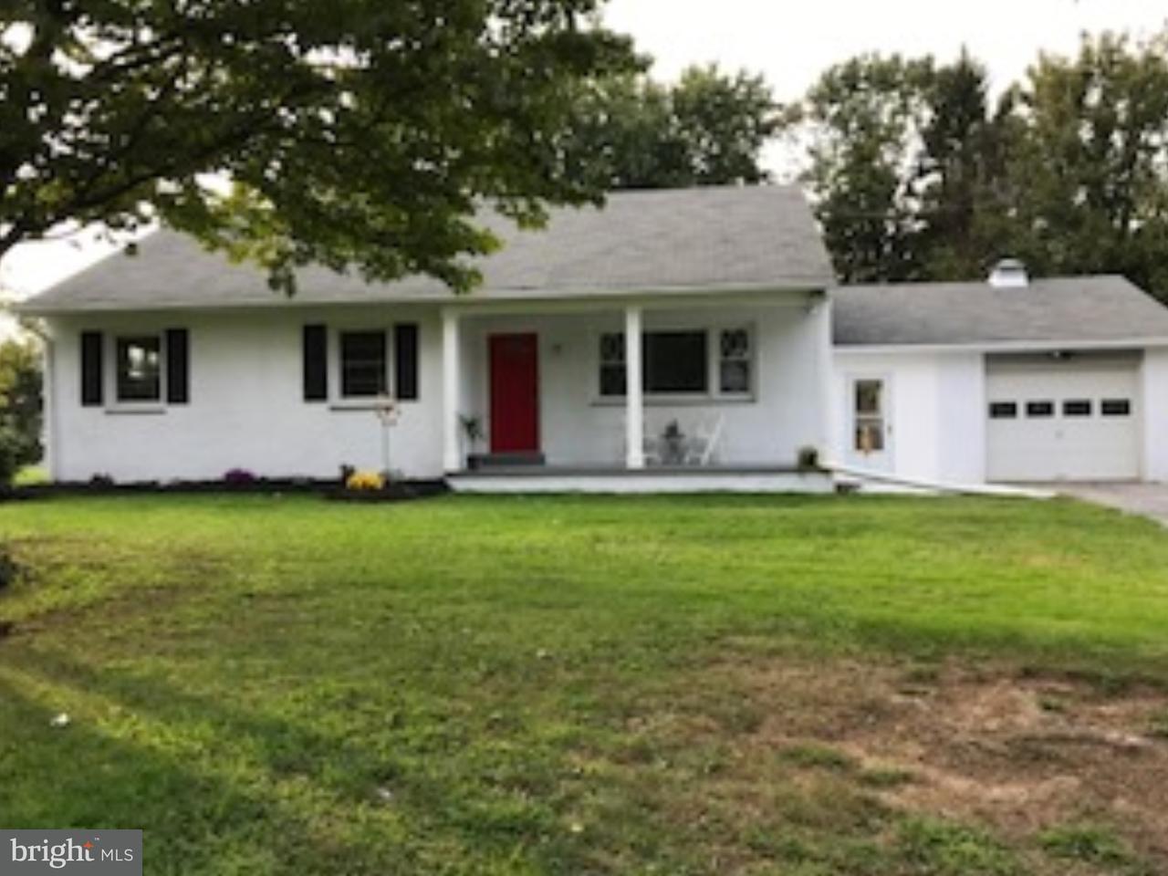 Maison unifamiliale pour l Vente à 404 BUCK Road Feasterville, Pennsylvanie 19053 États-Unis