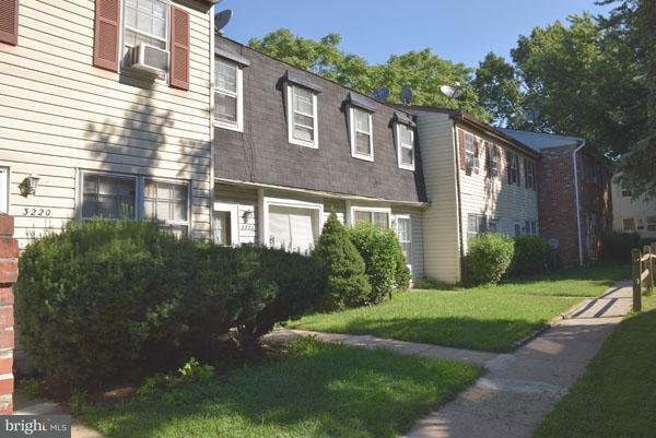 Huis voor meerdere gezinnen voor Verkoop een t 3220 SOUTHERN Avenue 3220 SOUTHERN Avenue Baltimore, Maryland 21214 Verenigde Staten