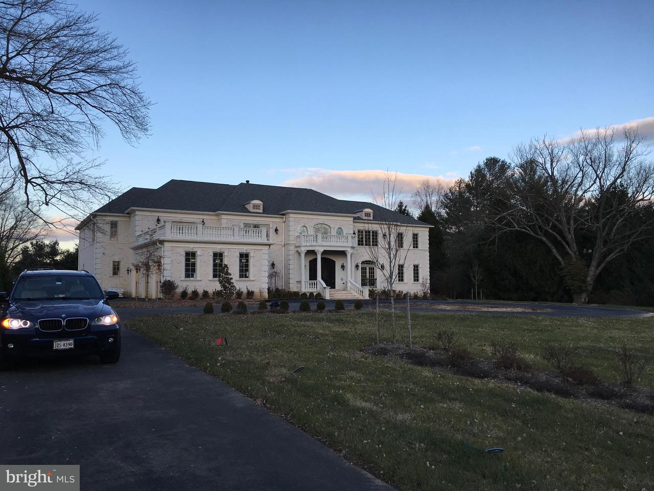 Additional photo for property listing at 9616 GEORGETOWN PIKE 9616 GEORGETOWN PIKE Great Falls, Virginia 22066 United States