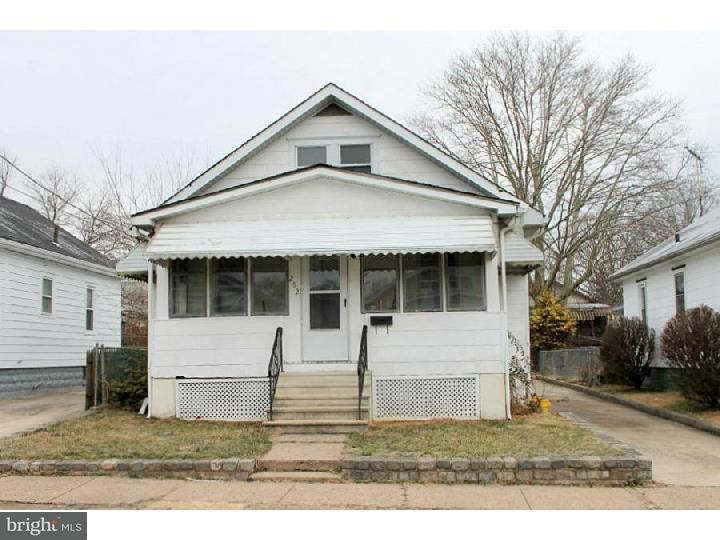 Частный односемейный дом для того Аренда на 252 HOMECREST Avenue Ewing, Нью-Джерси 08638 Соединенные ШтатыВ/Около: Ewing Township