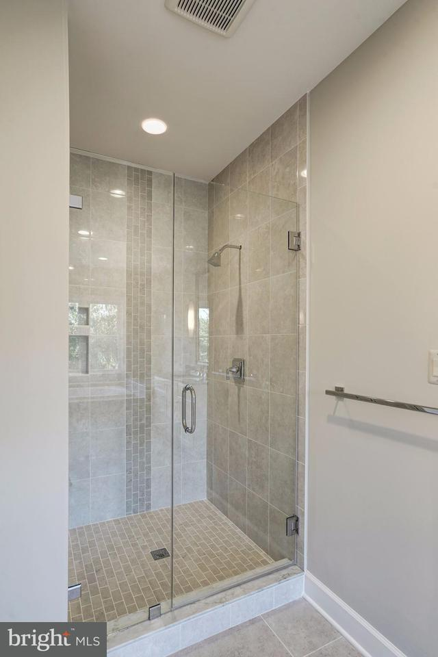 Additional photo for property listing at 2552 VALE RIDGE Court 2552 VALE RIDGE Court Oakton, 弗吉尼亞州 22124 美國