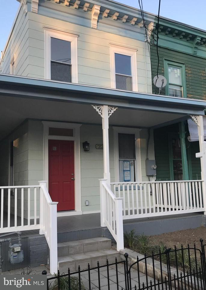 Single Family for Sale at 1604 U St SE Washington, District Of Columbia 20020 United States
