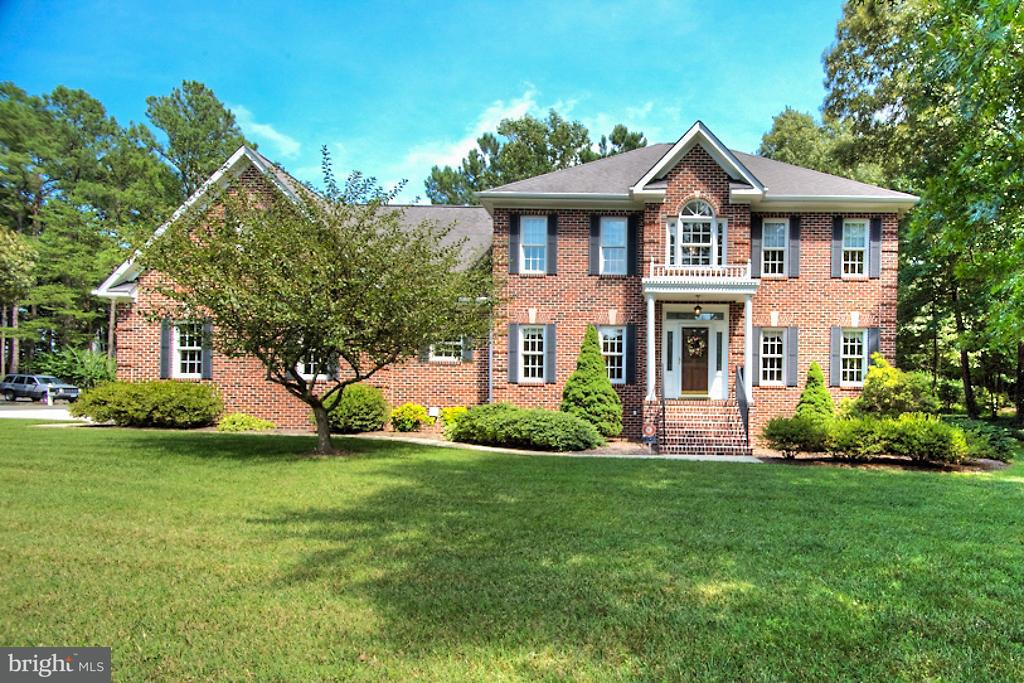 Vivienda unifamiliar por un Venta en 14274 COUNTRY CLUB Drive 14274 COUNTRY CLUB Drive Ashland, Virginia 23005 Estados Unidos