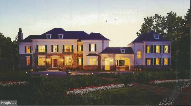 Частный односемейный дом для того Продажа на 11205 GUNSTON Road 11205 GUNSTON Road Lorton, Виргиния 22079 Соединенные Штаты