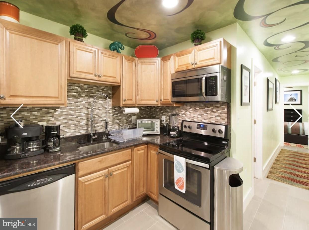 Additional photo for property listing at 42 R St NE #basement  Washington, District Of Columbia 20002 United States