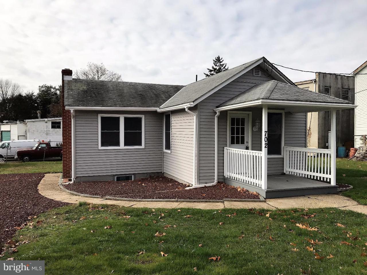 Maison unifamiliale pour l à louer à 702 NECK Road Burlington, New Jersey 08016 États-Unis