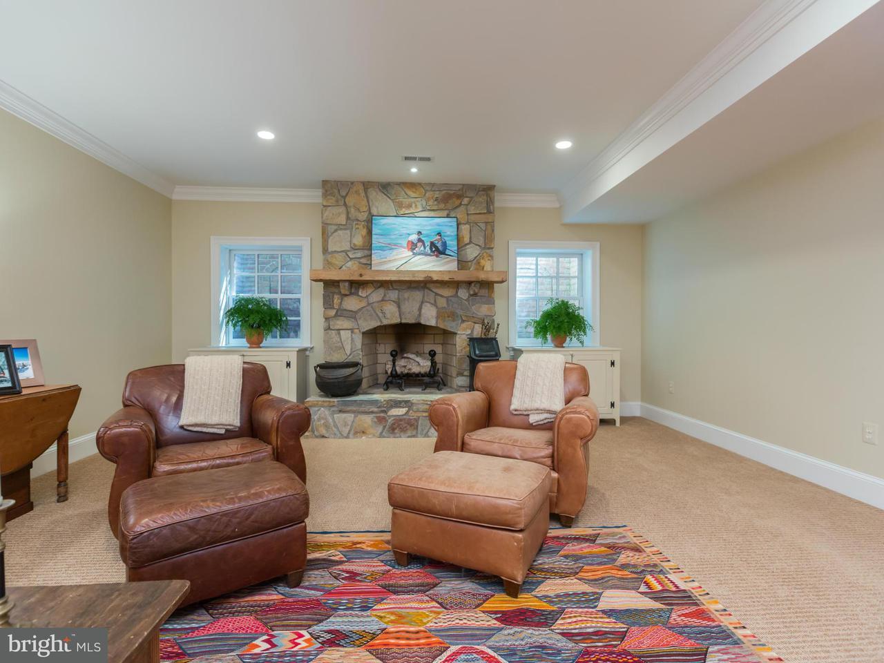 Additional photo for property listing at 909 VICAR Lane 909 VICAR Lane Alexandria, 버지니아 22302 미국