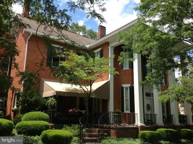 Einfamilienhaus für Verkauf beim 300 South Juliana Street 300 South Juliana Street Bedford, Pennsylvanien 15522 Vereinigte Staaten