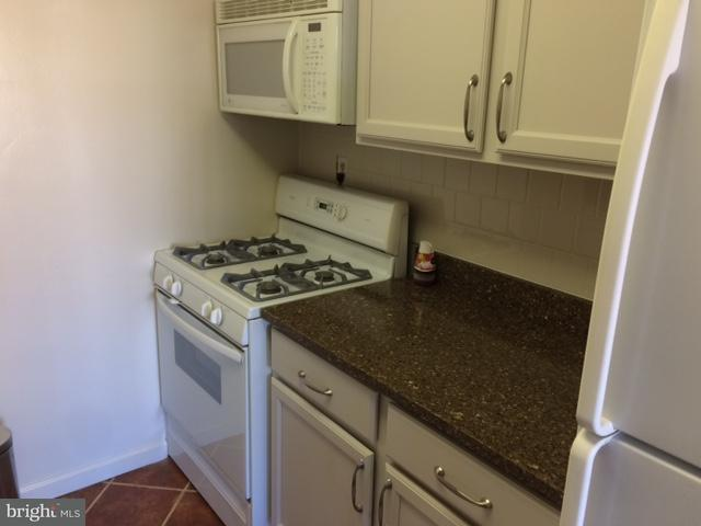 Additional photo for property listing at 1545 18th St NW #818  Washington, District Of Columbia 20036 United States