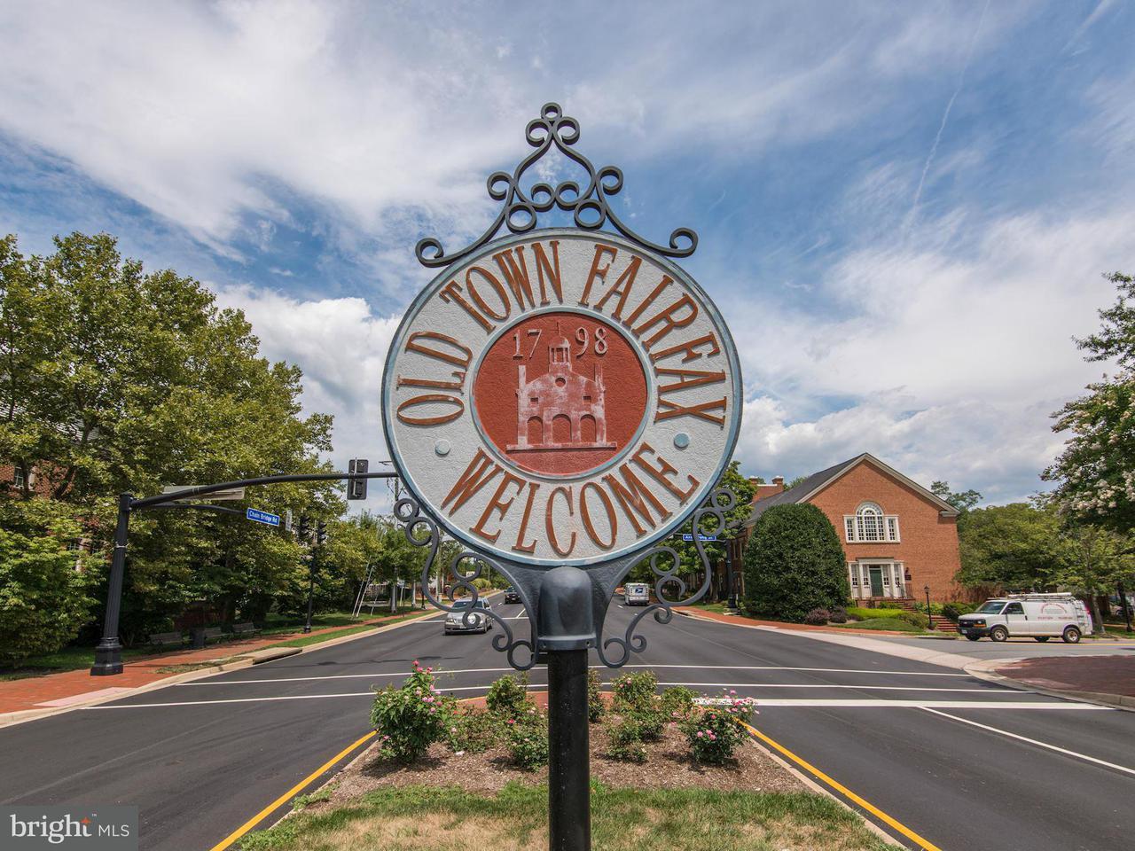 Additional photo for property listing at 3989 Norton Pl #201 3989 Norton Pl #201 Fairfax, Virginia 22030 Estados Unidos