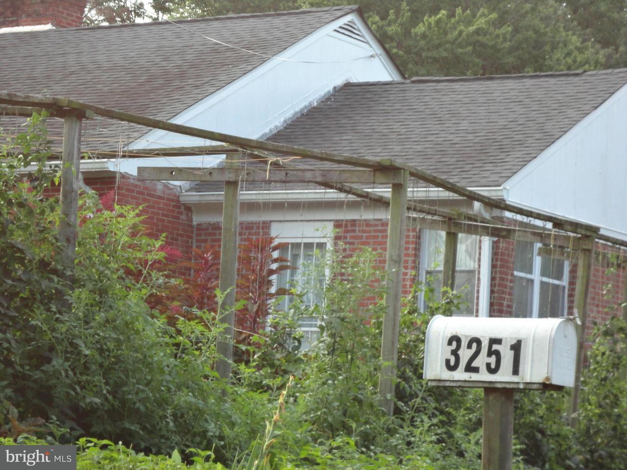 一戸建て のために 売買 アット 3251 ANNANDALE Road 3251 ANNANDALE Road Falls Church, バージニア 22042 アメリカ合衆国