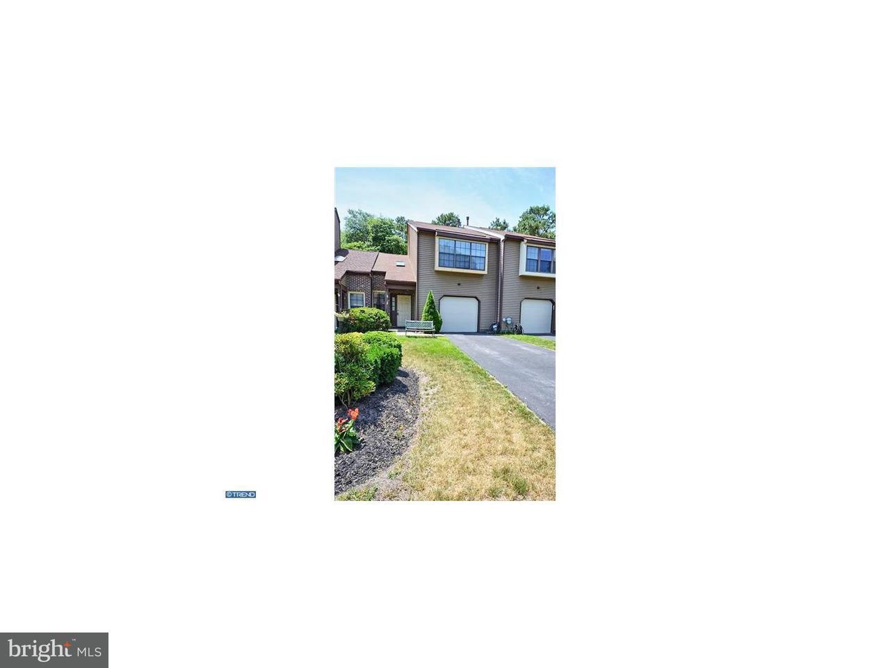 Maison accolée pour l à louer à 47 GOLF CLUB WAY Evesham, New Jersey 08053 États-Unis