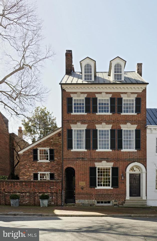 Stadthaus für Verkauf beim 210 DUKE Street 210 DUKE Street Alexandria, Virginia 22314 Vereinigte Staaten