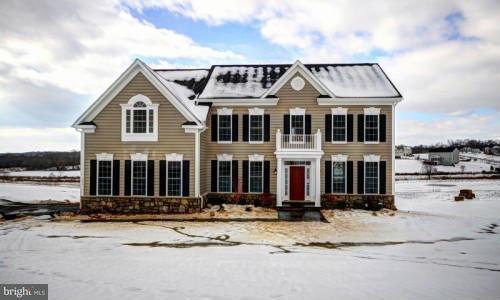獨棟家庭住宅 為 出售 在 10518 Baltimore National Pike 10518 Baltimore National Pike Myersville, 馬里蘭州 21773 美國