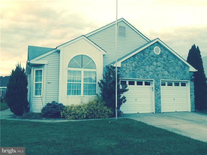 Casa Unifamiliar por un Alquiler en 601 TORTOLA Street Williamstown, Nueva Jersey 08094 Estados UnidosEn/Alrededor: Monroe Township