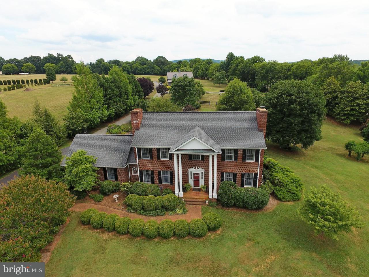 Частный односемейный дом для того Продажа на 10102 JACKSONTOWN Road 10102 JACKSONTOWN Road Somerset, Виргиния 22972 Соединенные Штаты