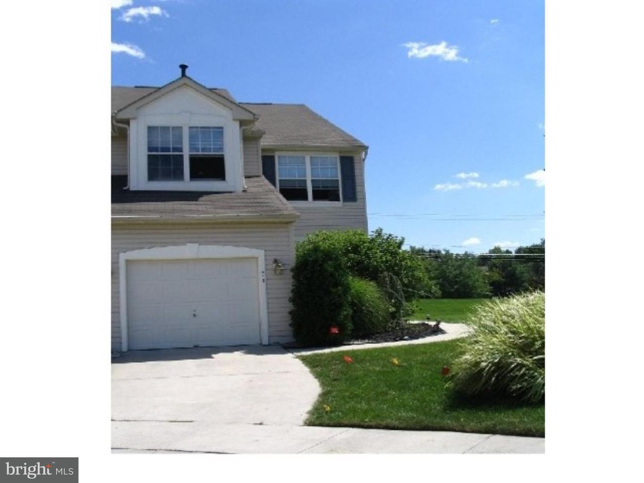 Maison accolée pour l à louer à 445 TUVIRA Lane Cherry Hill, New Jersey 08003 États-Unis