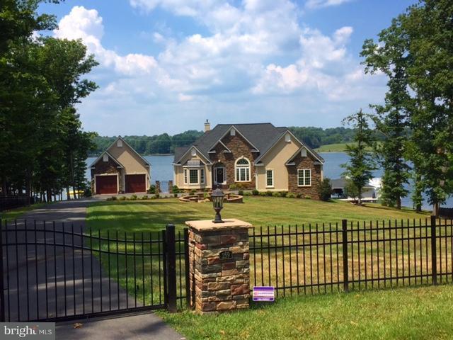 一戸建て のために 売買 アット 259 LANE Road 259 LANE Road Bumpass, バージニア 23024 アメリカ合衆国