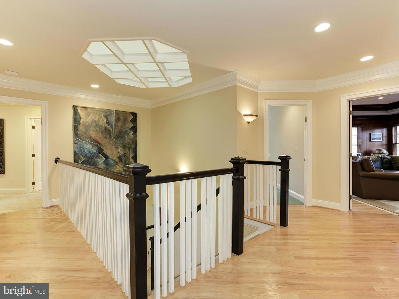 Additional photo for property listing at 9904 Woodford Rd  Potomac, Maryland 20854 United States