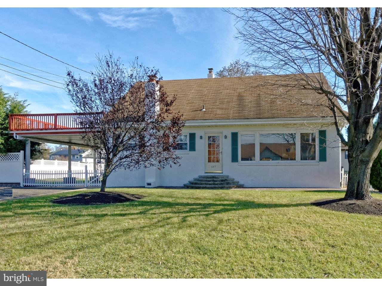 Частный односемейный дом для того Продажа на 121 PATTERSON Avenue Bellmawr, Нью-Джерси 08031 Соединенные Штаты