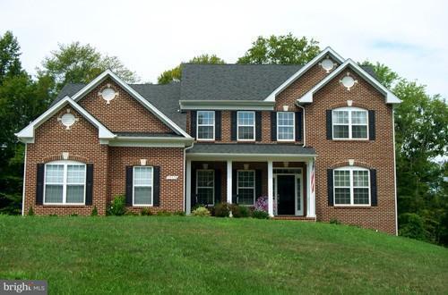 獨棟家庭住宅 為 出售 在 14360 SHADOW RIDGE Court 14360 SHADOW RIDGE Court Hughesville, 馬里蘭州 20637 美國