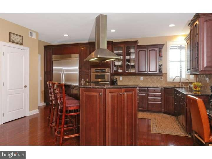 Additional photo for property listing at 8 APRIL Court  Monroe, New Jersey 08831 États-Unis