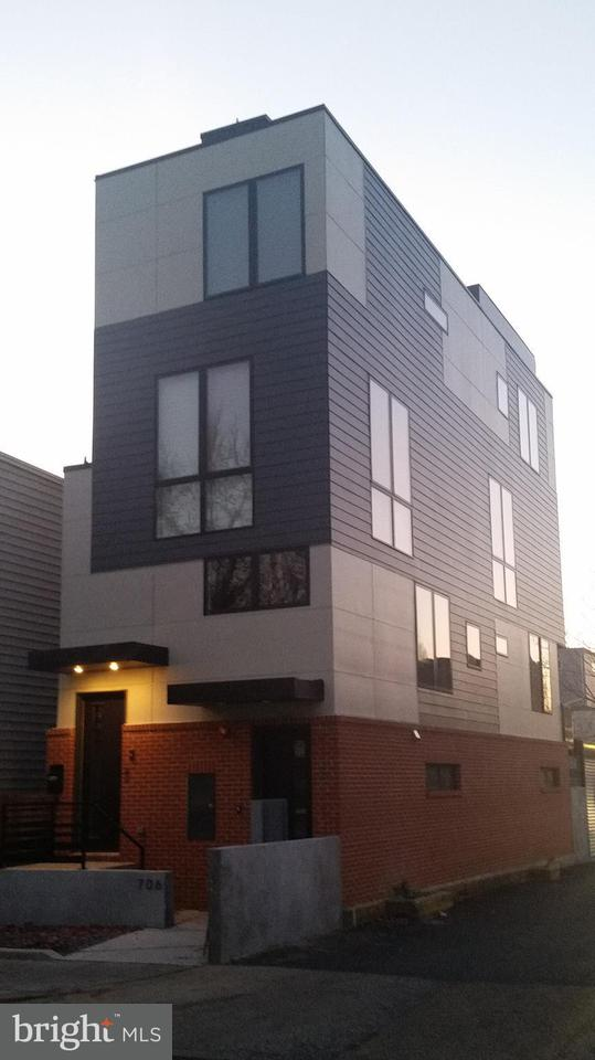 Other Residential for Rent at 706 16th St NE #1 Washington, District Of Columbia 20002 United States